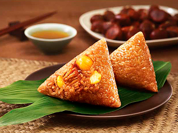 Цзунцзы - роллы из клейкого риса в пальмовых листах.