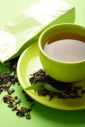 Зеленый чай в чашке.