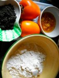 Ингредиенты для блинчиков с хурмой и мёдом.