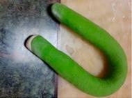 Колбаска из двух видов теста.
