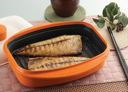 Вкусная и здоровая еда в прямоугольной сковородке-гриль Range Mate.