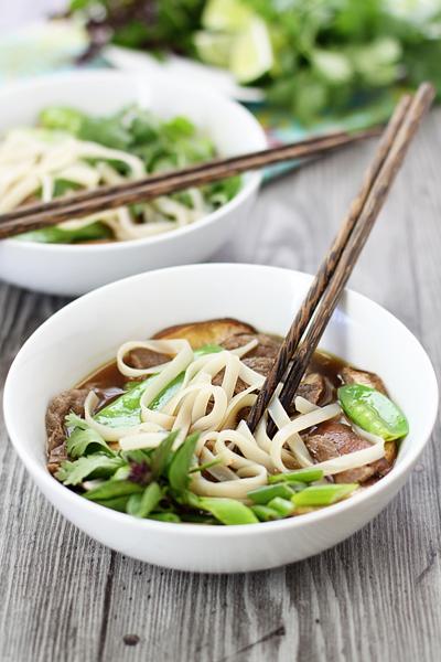 Вьетнамский суп с лапшой